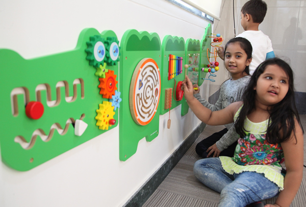 little kids play school in malad east